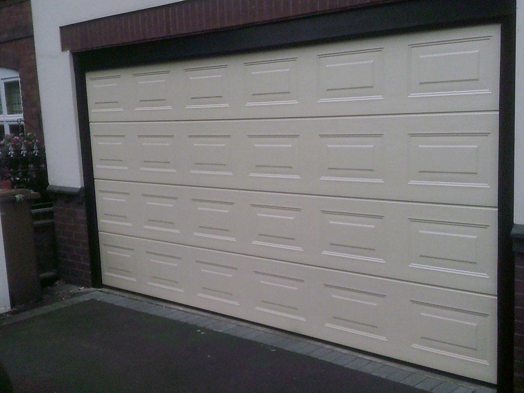 wmgaragedoors.co.uk – CALL US ON 01922 300450 FOR A FREE QUOTE